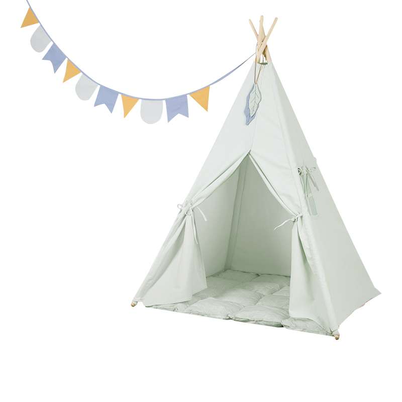 Spielzelt Tipi Zelt aus Stoff inkl. Matte und Wimpelkette mint